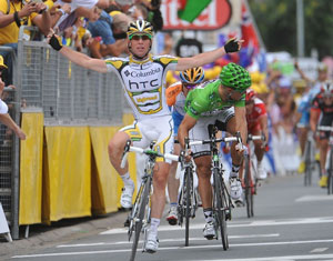 TDF stage 10 - Cavendish wins another sprint ahead of Thor Hushovd
