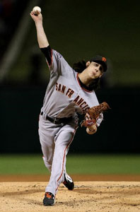 Tim Lincecum wins game 5 to clinch the Series for the Giants