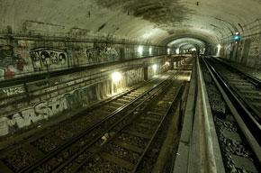 paris metro photo essay rubric