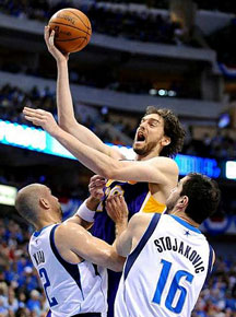 Lakers swept out of playoffs by Mavericks