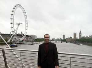 Ole in London; the Eye on to the left, Parliment and Big Ben to the right