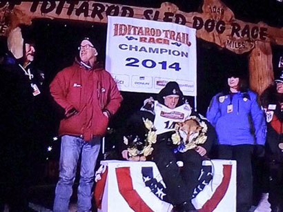 Dallas Seavey with his lead dog Beatle, 2014 Iditarod champions