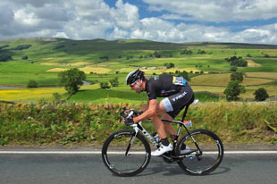 Jens Voight breaks away
